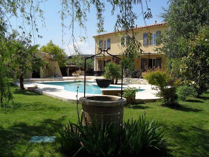 La Bastide des Pignes : chambres et table d'hôtes en Provence
