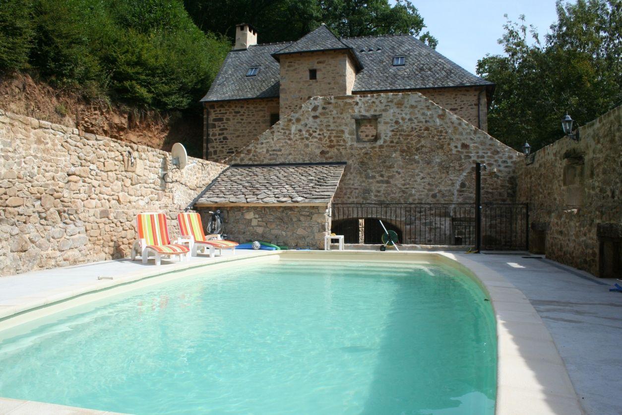 CHARLU Superbe Gîte 16e siècle 4* 12 p piscine privée et chauffée